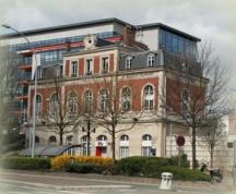 La Place Jules Gévelot et la station des Moulineaux